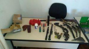PM apreende 7 armas e 400 munições em Carrancas
